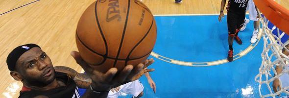 LeBron James ante la posibilidad de reivindicarse con un anillo