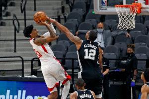Houston vence a los Spurs en su primer partido tras la salida de Harden