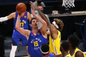 Denver se impone a los Warriors pese a los esfuerzos de Curry